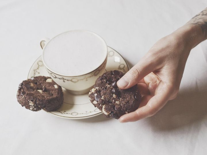 Hers & Hers Dark Chocolate Macadamia Cookies (grain & sugar-free, serves 2)